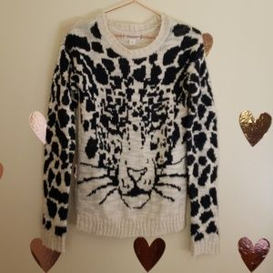 Decree fuzzy sweater size small